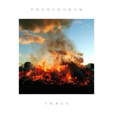 Critique Phantogram Three